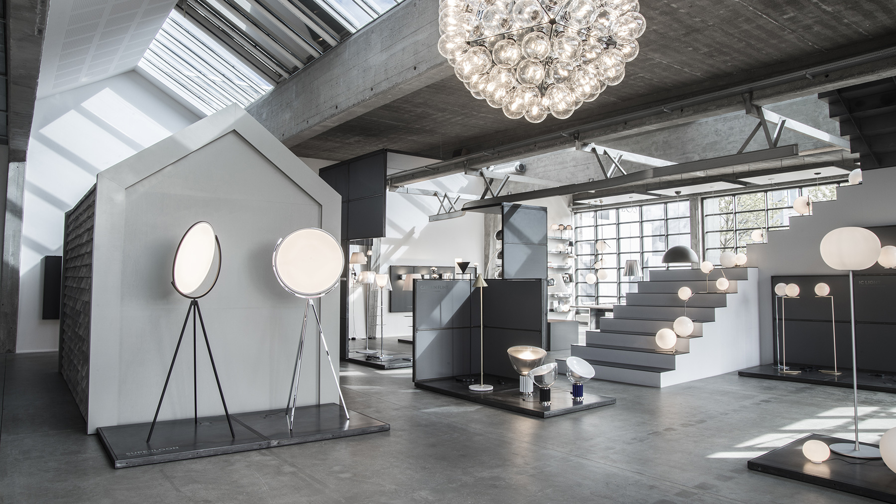 FLOS Scandinavia Showroom - Light & Space