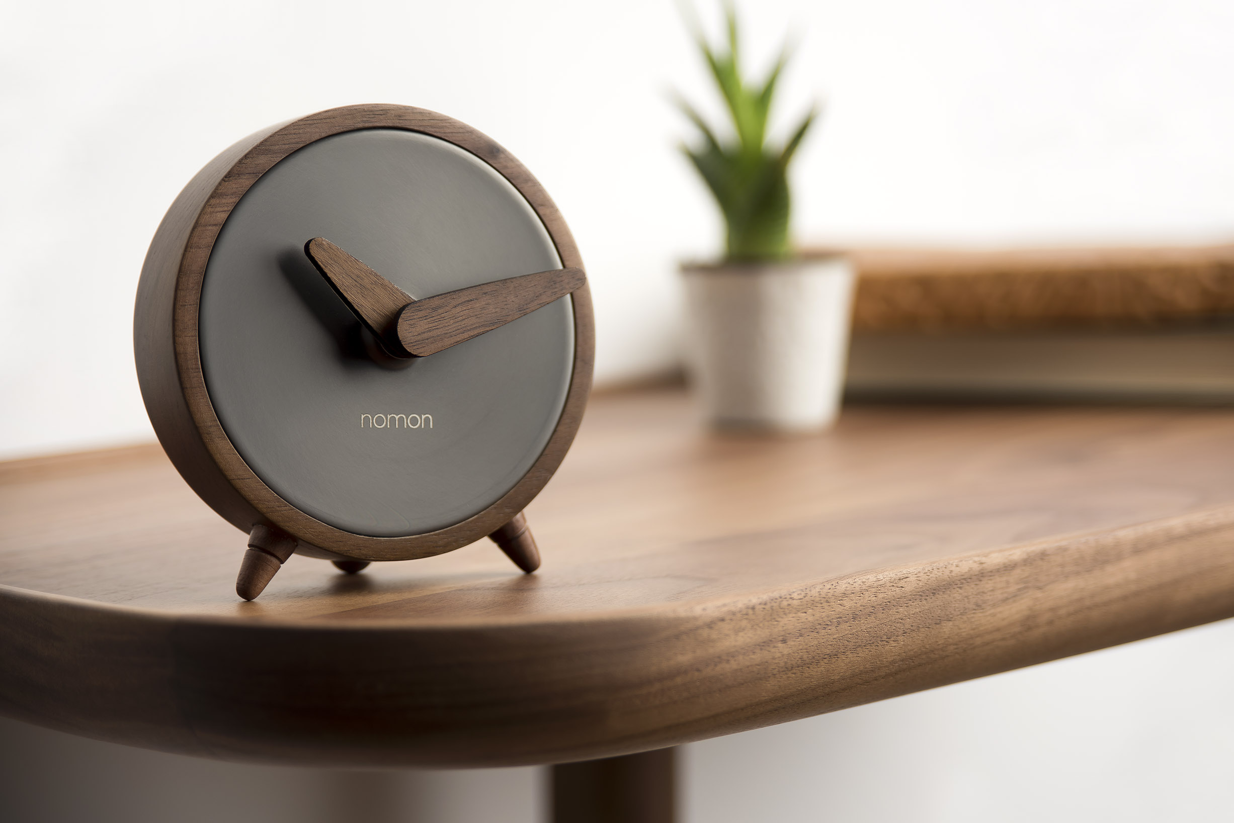 胡桃木家品!西班牙NOMON推出ATOMO時鐘系列