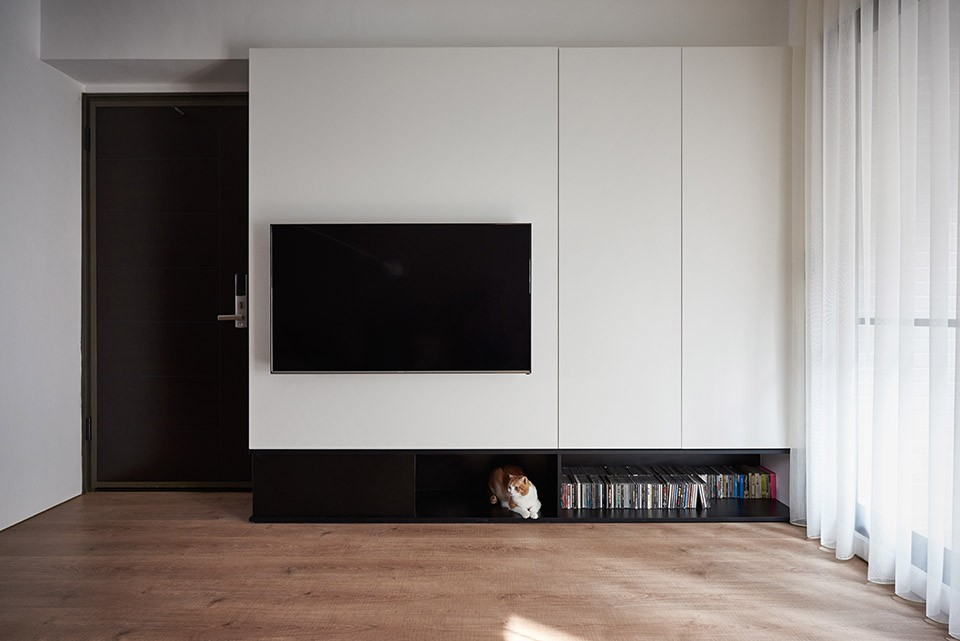 16-02-Small-Simple-Elegant-Apartment-Taichung-by-Z-AXIS--960x641