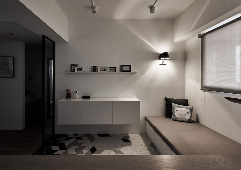16-17-Small-Simple-Elegant-Apartment-Taichung-by-Z-AXIS--960x679