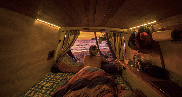 1_vanlife-couples