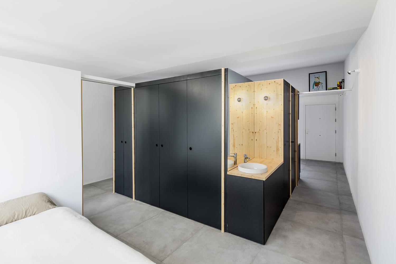 https://www.designidk.com/wp-images?q=/wp-content/uploads/2016/10/Olivia9_bedroom.jpg
