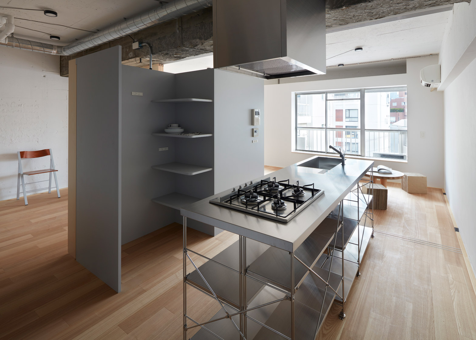 Small-Apartment-FrontOfficeStudio-Tokyo-Kitchen-Humble-Homes