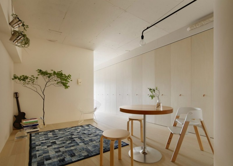 apartment-in-kitasando-minorpoet-interior-tokyo-japan_dezeen_1704_slideshow_2-1024x731