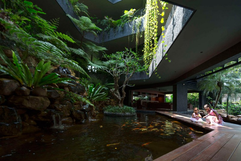 cornwall-gardens-change-architects-singapore-residential_dezeen_936_11
