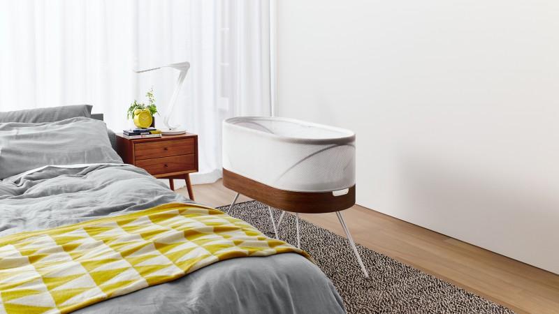 robotic-crib-for-happiest-baby-yves-behar-designs-childrens-furniture_dezeen_hero02